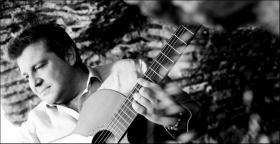 Mustafa Akay'dan