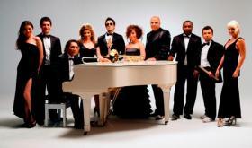 Türk Müziğinin Önemli İsimlerinden Ferhat Göçer ve Enbe Orkestrası Aynı Sahnede